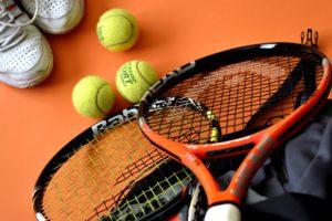 Schnuppern beim Tennis